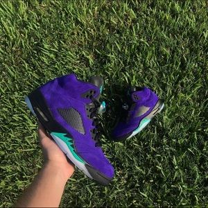"Air Jordan 5 ""Alternate Grape"""